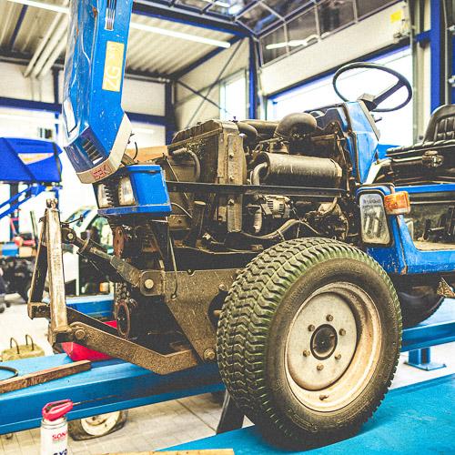 #06 – Eine defekte Pumpe und unser Traktor bei der Inspektion