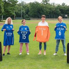 Französische Fußballmeisterin unterstützt ihren Heimatverein